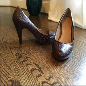 Nine West brown heel. Size 7. Great condition.